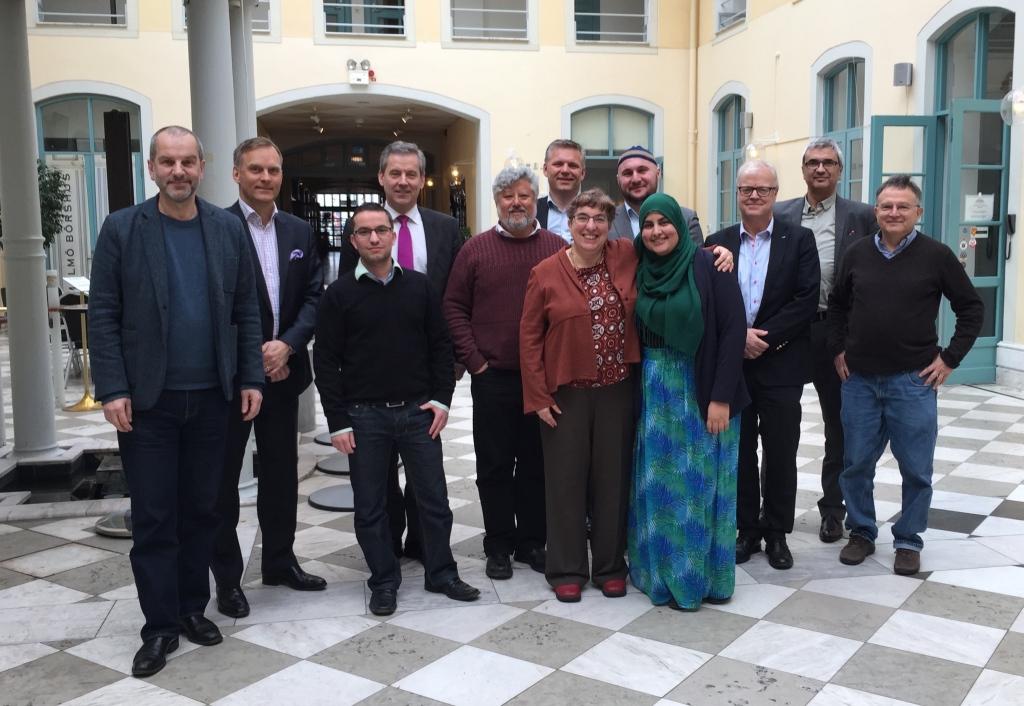 Företrädare för Judiska församlingen i Malmö, Malmö muslimska nätverk och näringslivet i Skåne. Värdar för mötet var Sydsvenska Industri- och Handelskammaren och open Skåne.